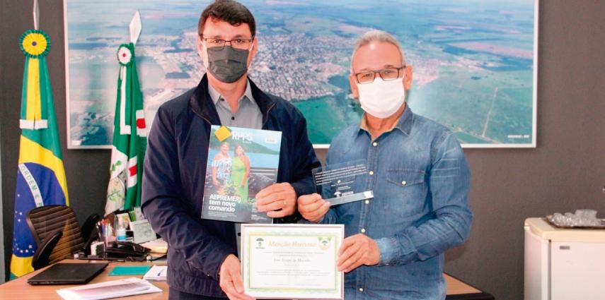 NaviraíPrev é destaque nacional e prefeito Izauri recebe Menção Honrosa